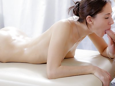 Hard-core rubdown vid of nice dark-haired banged in the caboose
